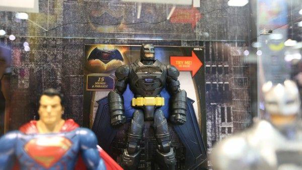 batman-vs-superman-movie-toy-comic-con (7)