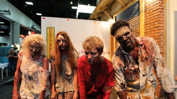 comic-con-2015-convention-floor-picture-image (12)