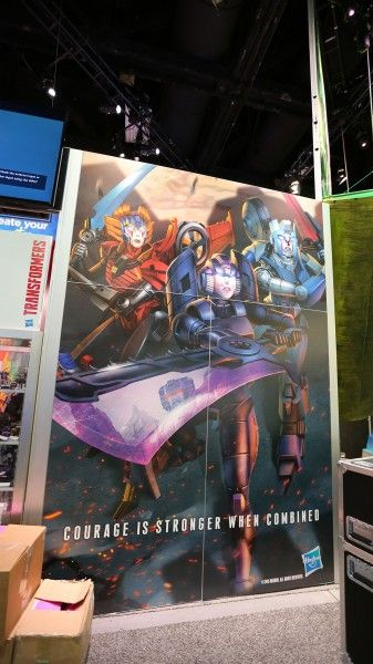 comic-con-2015-convention-floor-picture-image-(24)