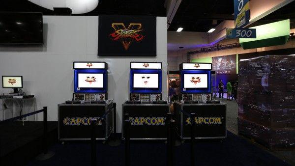 comic-con-2015-convention-floor-picture-image (29)