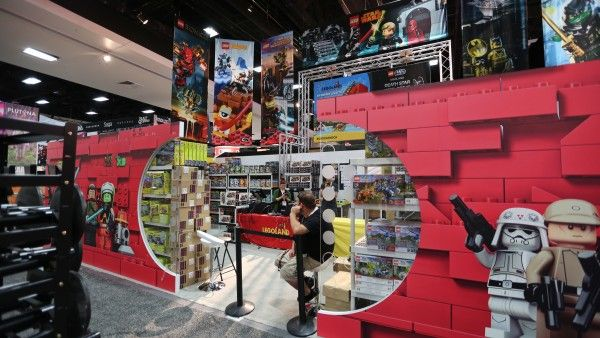 comic-con-2015-convention-floor-picture-image (54)