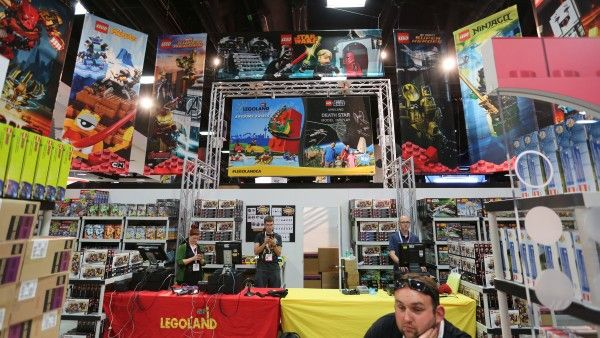 comic-con-2015-convention-floor-picture-image (55)