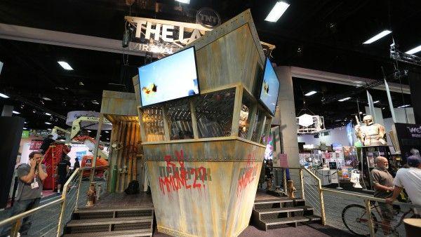 comic-con-2015-convention-floor-picture-image (71)