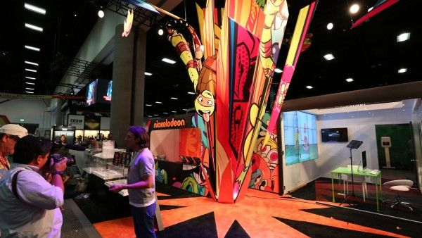 comic-con-2015-convention-floor-picture-image (8)