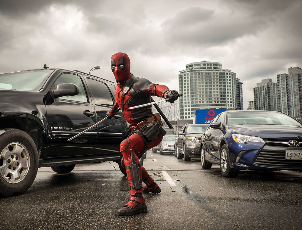 Deadpool Ryan Reynolds And Tim Miller On Set Interview Collider
