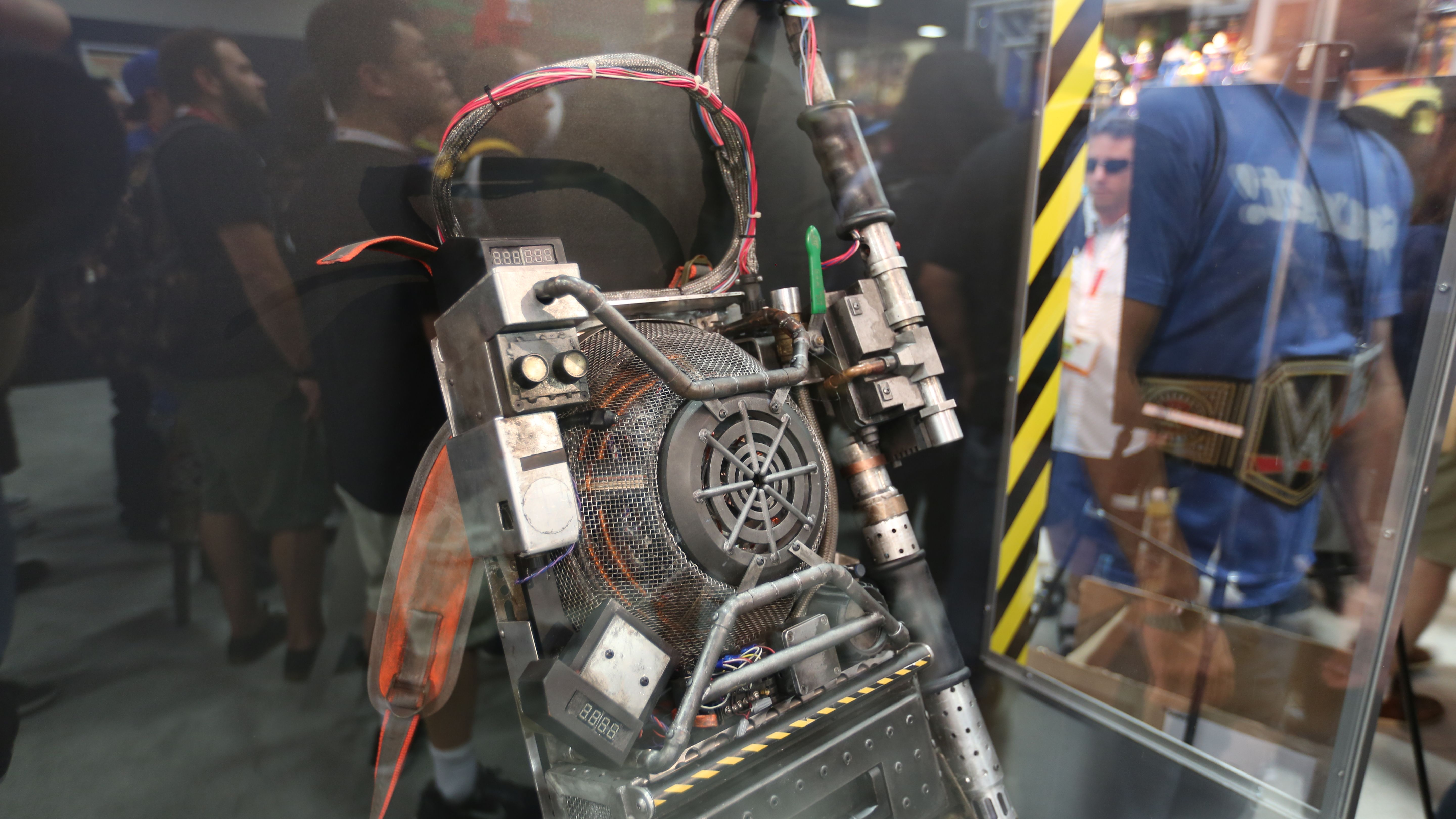Ghostbusters Proton Pack Picture Comic Con