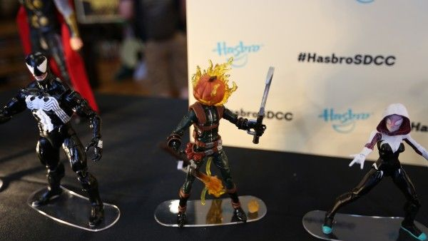 hasbro-transformers-jem-star-wars-toy-pictures-comic-con (16)