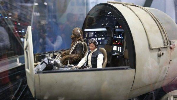 millennium-falcon-cockpit-hottoys-sideshow-picture (5)