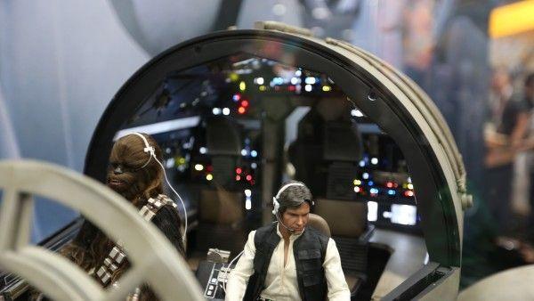 millennium-falcon-cockpit-hottoys-sideshow-picture (6)