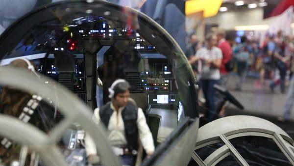 millennium-falcon-cockpit-hottoys-sideshow-picture (8)