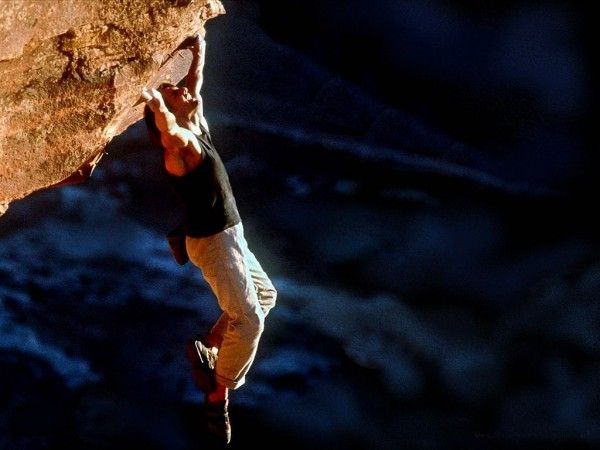 mission-impossible-2-tom-cruise-rock-climbing