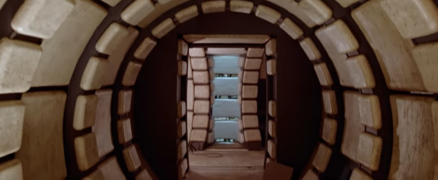 Star wars 7 100 new images from behind the scenes video for Interior halcon milenario