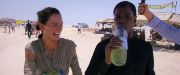 star-wars-the-force-awakens-behind-the-scenes-screengrab-image-82