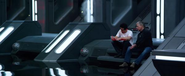 star-wars-the-force-awakens-behind-the-scenes-screengrab-image-83