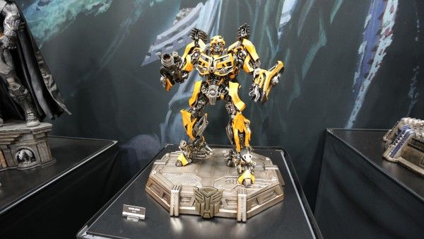 transformers-hot-toys-sideshow-collectibles-booth-picture-comic-con (1)