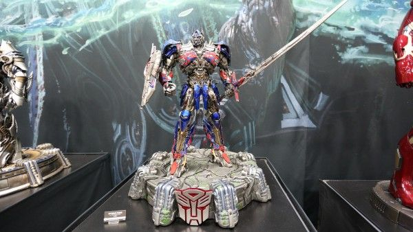 transformers-hot-toys-sideshow-collectibles-booth-picture-comic-con (3)