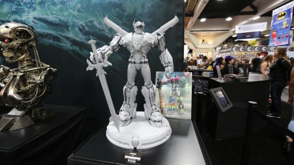 voltron-hot-toys-sideshow-collectibles-booth-picture-comic-con (1)