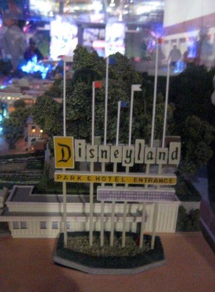 disneyland-exhibit-d23-32