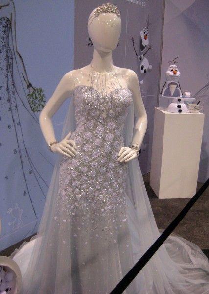 frozen-dress-d23-expo