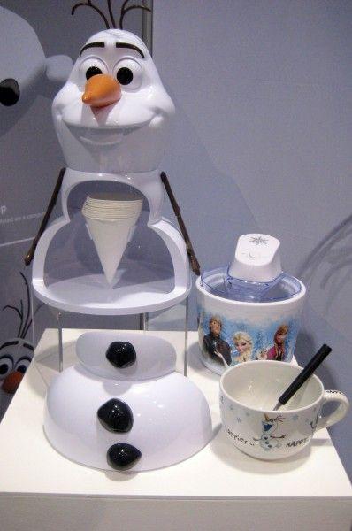frozen-olaf-snow-cone-maker-d23-expo
