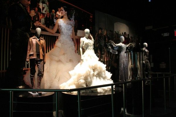 hunger-games-experience-katniss-costumes