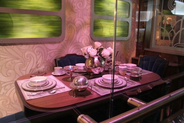 hunger-games-experience-train-6