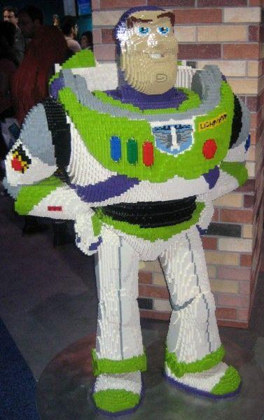 pixar-studios-buzz-lightyear-d23-expo