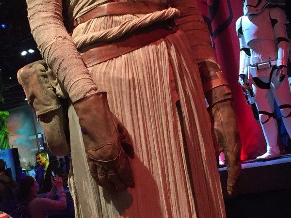 star-wars-7-rey-costume-detail