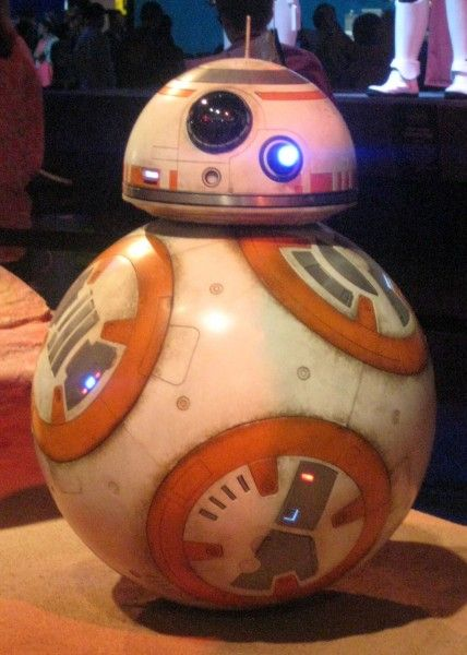 star-wars-the-force-awakens-bb8-d23-expo