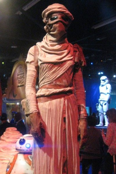 star-wars-the-force-awakens-costume-d23-expo