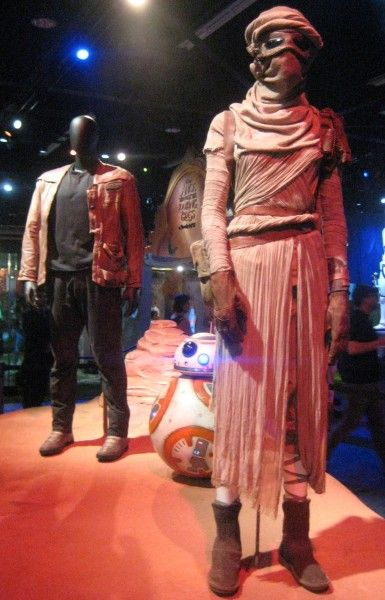 star-wars-the-force-awakens-costumes-d23-expo