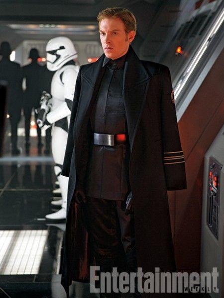 star-wars-the-force-awakens-domhnall-gleeson