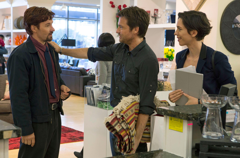 The Gift Review: Jason Bateman Shines in New Thriller   Collider