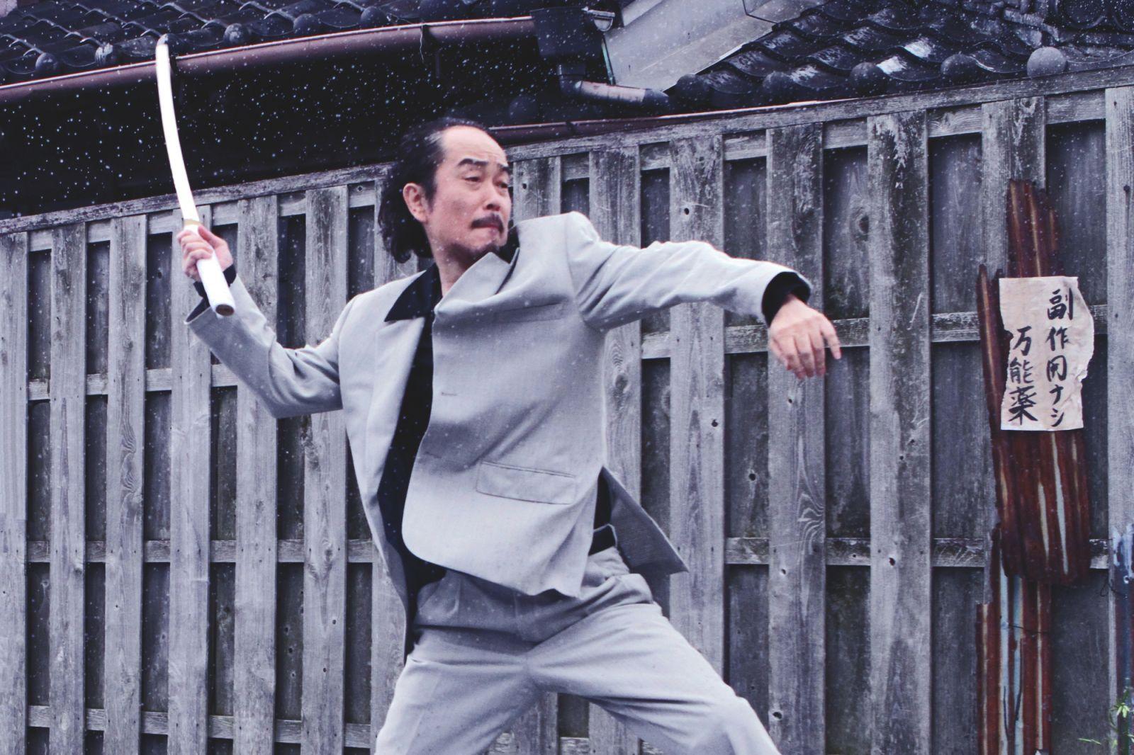 【フェチ】足裏での高速バイブ、つま先でグリグリとツボを刺激!! 2