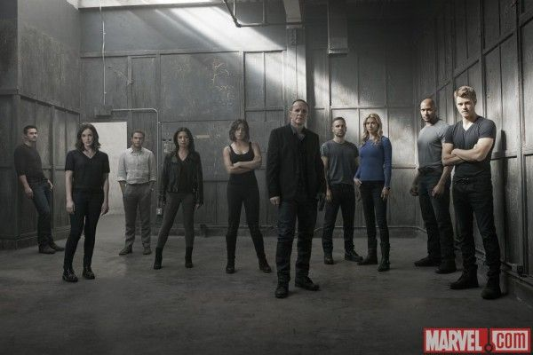 agents-of-shield-season-3-cast-image