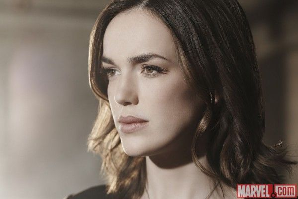 agents-of-shield-season-3-jemma-simmons