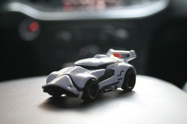 star-wars-hot-wheels-stormtrooper-2