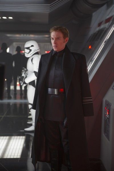 star-wars-the-force-awakens-domhnall-gleeson-general-hux