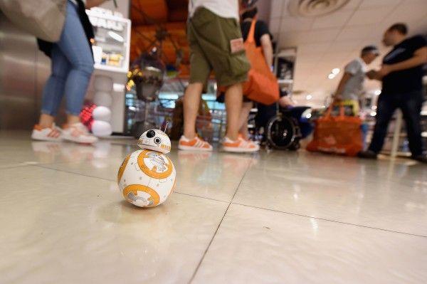 star-wars-toys-r-us-bb-8