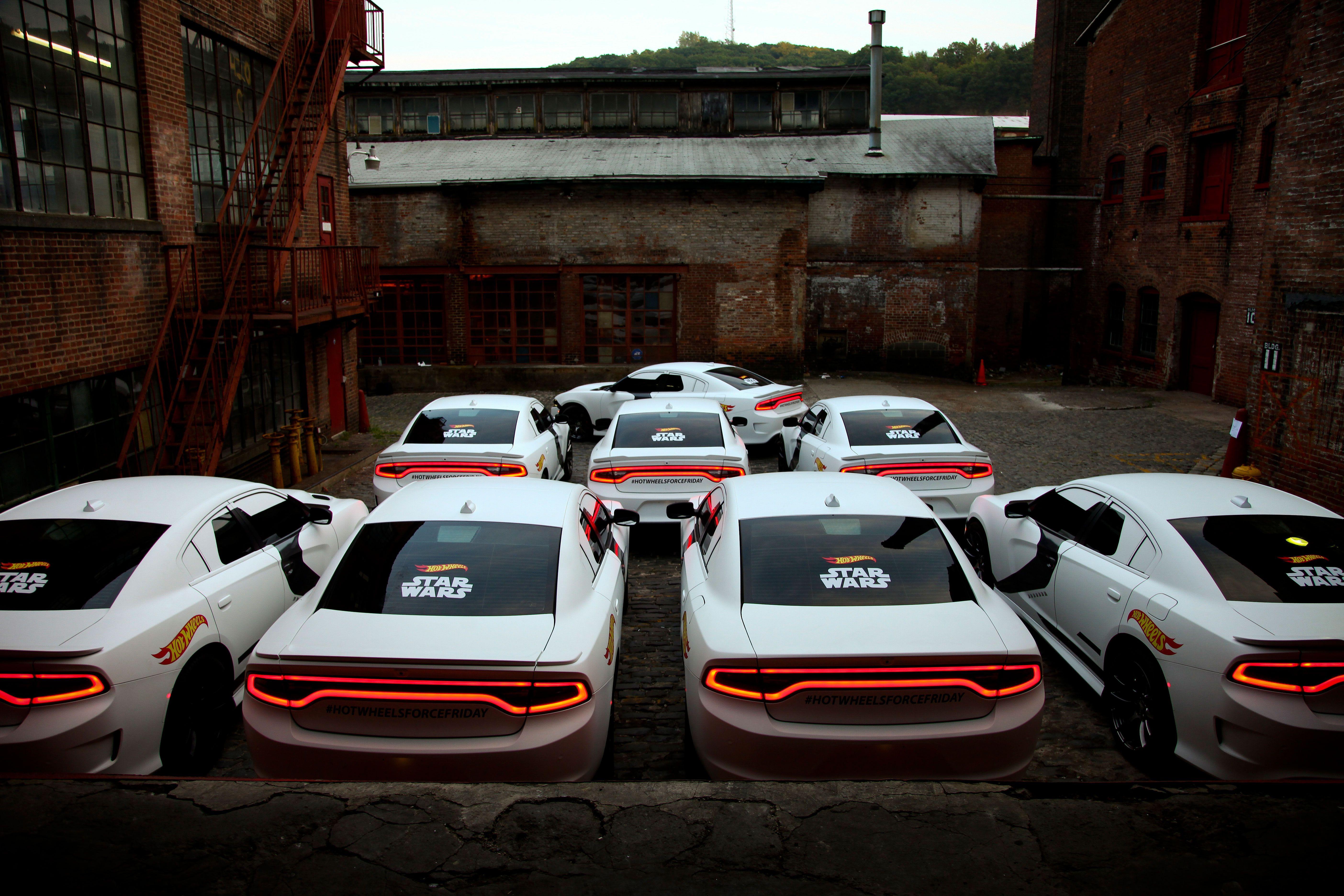 Star Wars Hot Wheels Stormtrooper Dodge Charger Hellcat Collider - Cool cars jacksonville