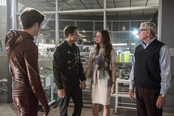 the-flash-season-2-panabaker-amell