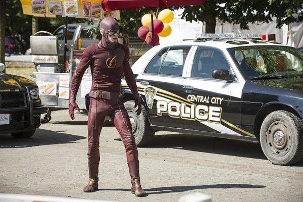 the-flash-season-2-photo-costume