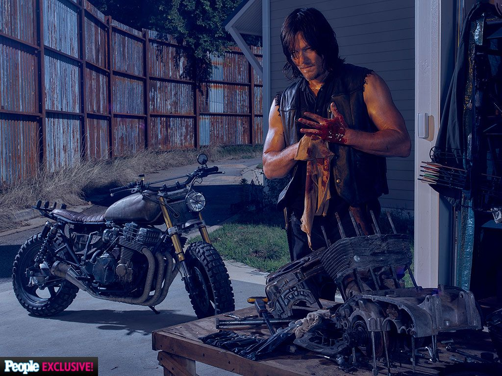 the walking dead season 6 images reveal characters weapons collider. Black Bedroom Furniture Sets. Home Design Ideas