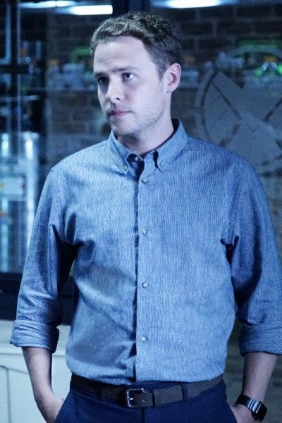 Agents of S.H.I... Iain De Caestecker Shield