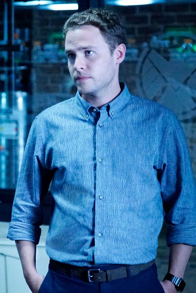 fitz agents of shield season 3. Agents-of-shield-season-3-iain-de-caestecker Fitz Agents Of Shield Season 3 T