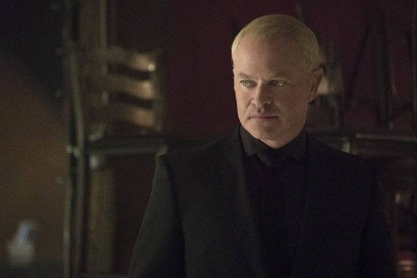 arrow-season-4-image-the-candidate-neal-mcdonough