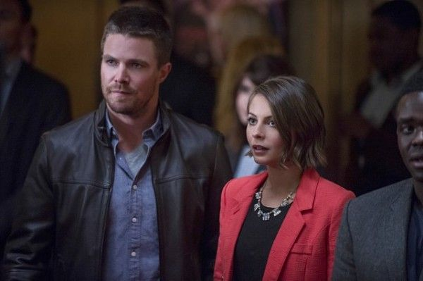 arrow-season-4-image-the-candidate-stephen-amell-willa-holland