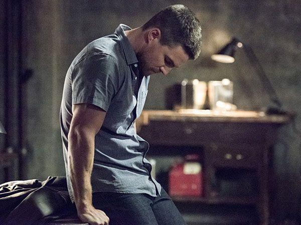 Arrow Season 4 Premiere Recap Quot Green Arrow Quot Collider