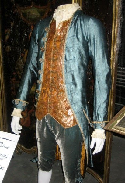 interview-with-the-vampire-costumes-07
