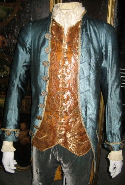 interview-with-the-vampire-costumes-08